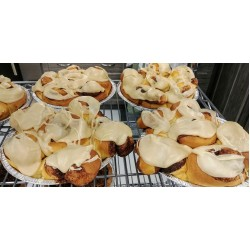 Caramel Iced Cinnamon Buns (tray of 6)